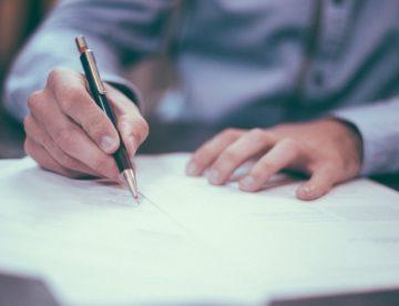 lawyers-sherwood-park-signing-documents
